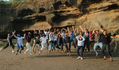 9 COMM enjoy in Bali