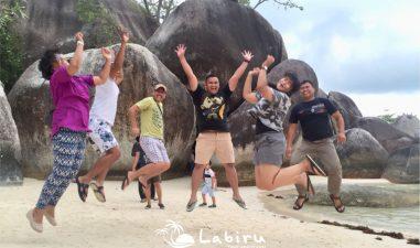 Pak Rahman enjoy di Belitung
