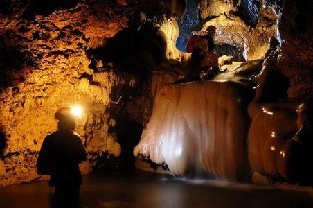 destinasi wisata di kabupaten pacitan